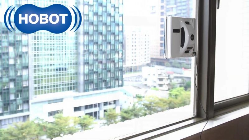 Hobot 268 window cleaning robot